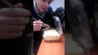 Кушаем тортик на уроке Истории СПб.