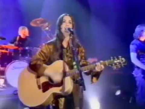 ALANIS MORISSETTE-HAND IN MY POCKET (live 1995)