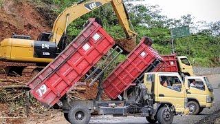 CAT 320D2 Excavator Fuso Dump Truck Landslide Recovery Working