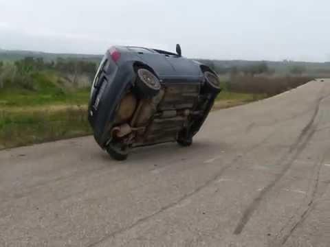Fiat Punto su due ruote - YouTube on fiat ritmo, fiat cinquecento, fiat marea, fiat 500 abarth, fiat cars, fiat barchetta, fiat stilo, fiat x1/9, fiat 500l, fiat 500 turbo, fiat panda, fiat multipla, fiat spider, fiat coupe, fiat bravo, fiat linea, fiat doblo, fiat seicento,