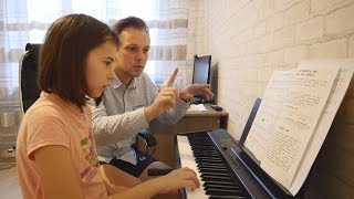 """Victoria Entered The Children's Music School. Vlog. """"Real Russia"""""""