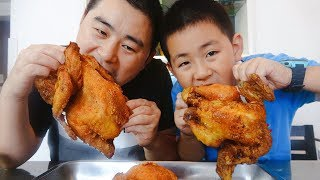 "Vegetable juice fried chicken, 1 person per person to eat, the son said: ""Mom you are gentle"