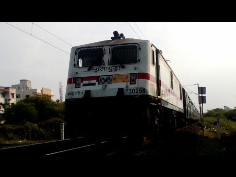 Surprise!!! Unique LGD WAP7 Visits Nagpur For 1stTime With AP Express (Now Telangana)|IndianRailways
