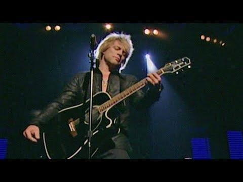 Bon Jovi - Livin' on a Prayer / Who Says You Can't Go Home (Fashion Rocks 2006)