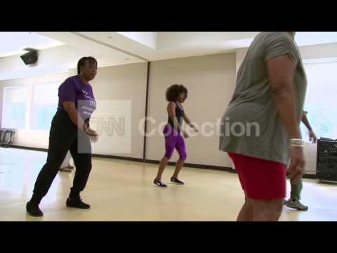Exercises for Rheumatoid Arthritis Symptoms Ball Crunch