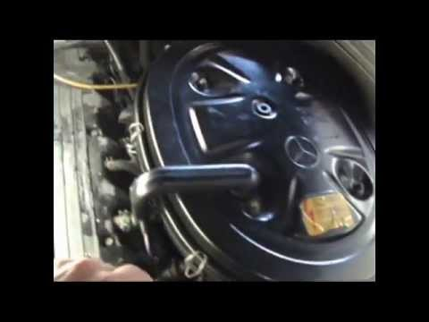 300E 1989 Mercedes Idle control valve and oxygen sensor - YouTube