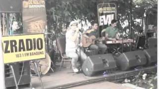 """Live Video """"kumerindukanmu"""" By DYGTA"""