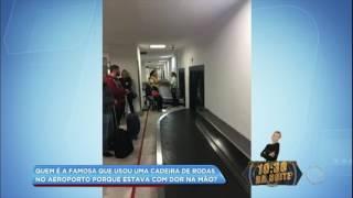 Hora da Venenosa: Val Marchiori usa cadeira de rodas em aeroporto