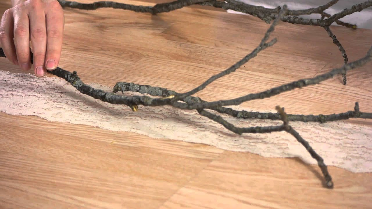 How to Lay Branch Table Centerpieces : Cold Weather Crafts