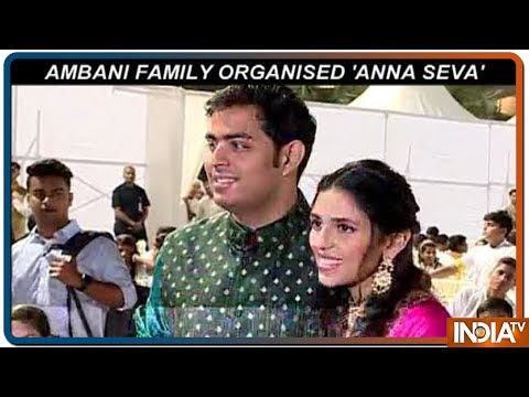 Akash Ambani, Shloka Mehta host Anna Seva