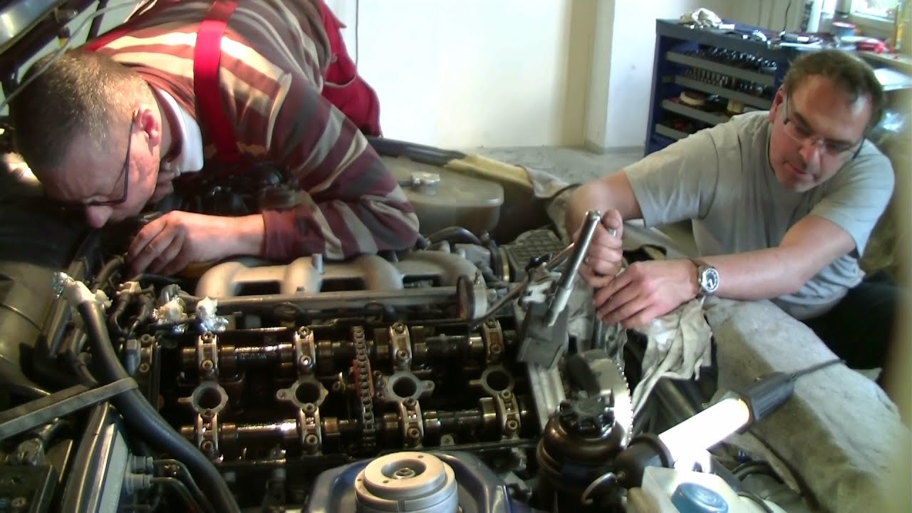 Adjusting The Timing Of A Porsche 944 S2 Youtube