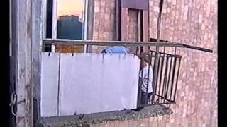 На балконе(Діти таємно переглядають журнал для дорослих..., 2011-03-25T23:04:36.000Z)