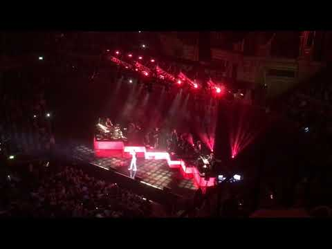 Cliff Richard - Mistletoe and Wine Live from the Royal Albert Hall London 15th October 2018