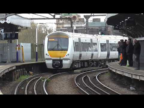 Trains @ Limehouse Station 12/04/2019