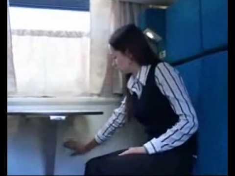 Как открыть дверь в купе вагона поезда