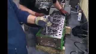 Смотреть видео ремонт двигателей John Deere