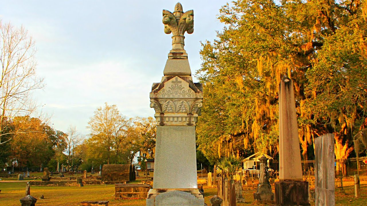 Haunted Grave of Bessie The Witch - Tallahassee, Florida