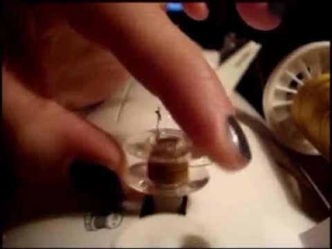 Come infilare la macchina da cucire parte 1 la spoletta for Victoria macchina da cucire
