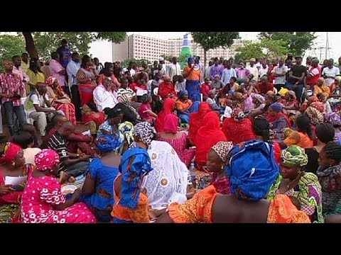Nigeria: parents of kidnapped girls claim government lying