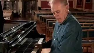 Comparing the styles of Bach and Haendel - Charles Rosen