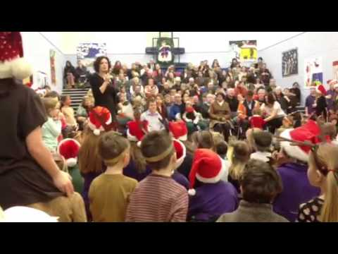 """Rockin' Around the Christmas Tree"" in Gaelic"