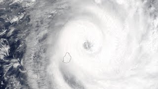 CYCLONE INTENSE GERRY FEV. 2003