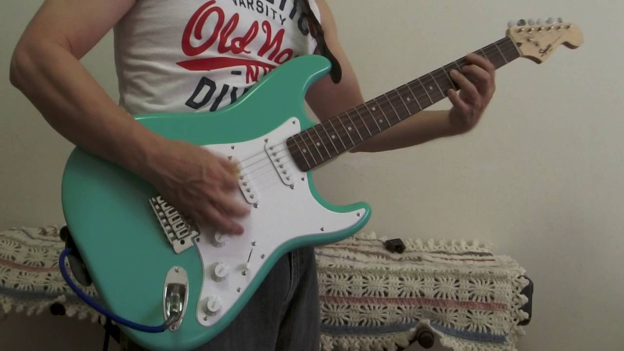 squier bullet stratocaster electric guitar sea foam green demo near mint youtube. Black Bedroom Furniture Sets. Home Design Ideas