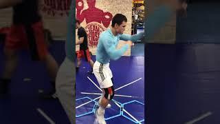 Комбинации в боксе  работа ног
