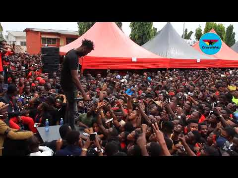 Ogee The MC dazzles crowd with Ebony's new song