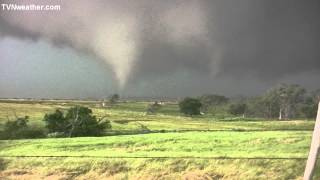 Evolution of the world-record EF-5 El Reno, Oklahoma tornado on May 31, 2013