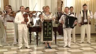 Ileana Ciuculete şi Orchestra Fraţii Advahov (Chişinău) - De mic am plecat de-acasă