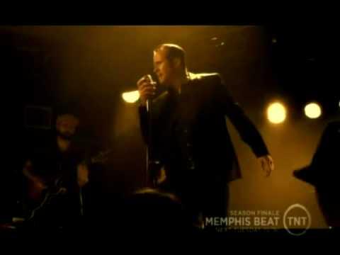 """Memphis Beat Dwight sings """"Dont Be Cruel"""""""