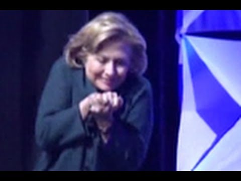 Woman Throws Shoe At Hillary Clinton In Las Vegas | Hillary Clinton Shoe | VIDEO
