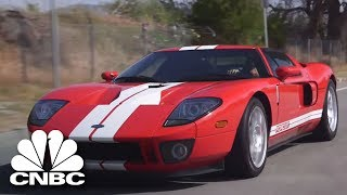 Jay Leno Goes Head-To-Head With Le Mans Winner In The 2017 Ford GT | Jay Leno's Garage | CNBC Prime