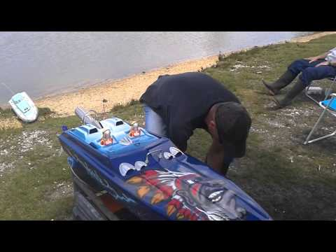 RC Apache Boat with stock Zenoah