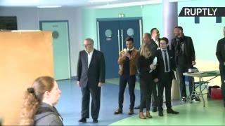فيديو| مارين لوبان تدلي بصوتها في انتخابات فرنسا