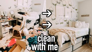 Clean With Me | Cleaning My Dorm