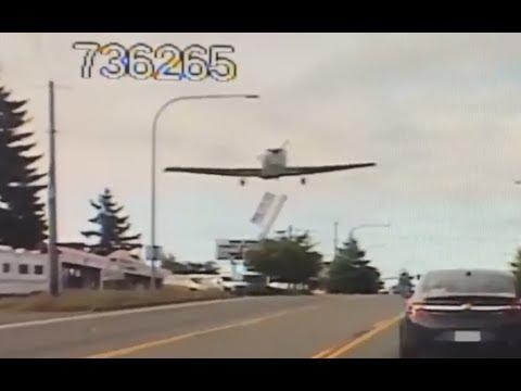 Plane makes emergency landing on Washington state highway