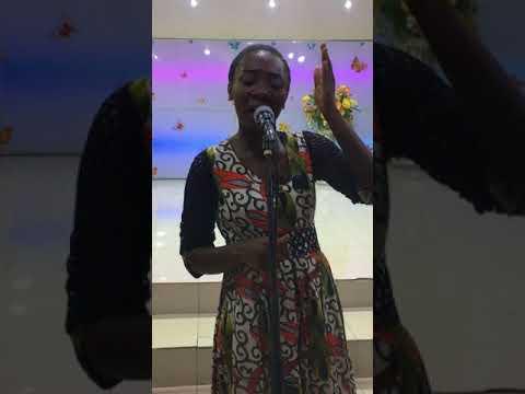 Dena Mwana: L'Eternel est bon ( Cover by Annick Mbala)