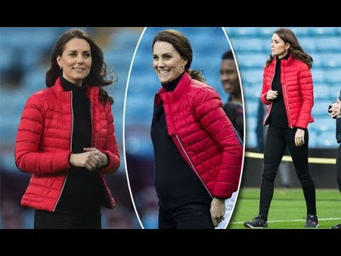 Kate Middleton news: Pregnant Duchess of Cambridge shows off baby bump in tight polo top