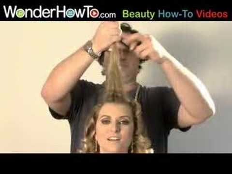 Super-Easy Beehive Hairstyle! thumbnail