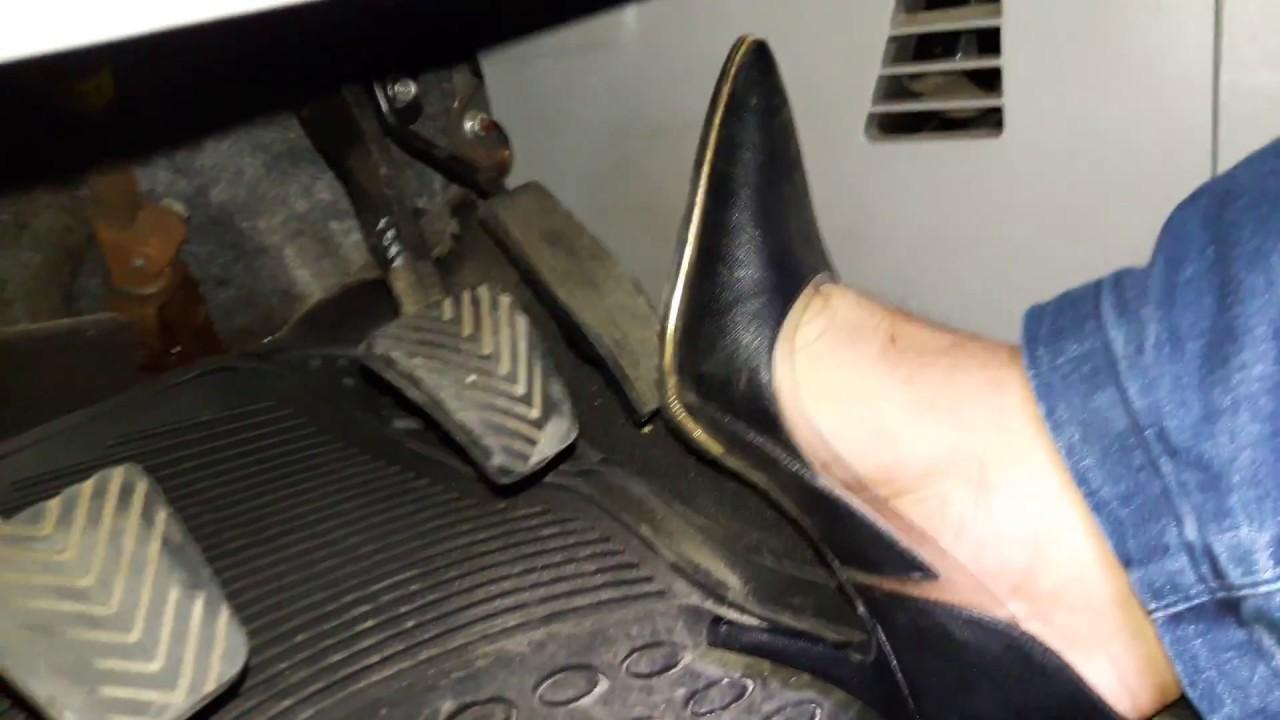 Pedal pumping in heels
