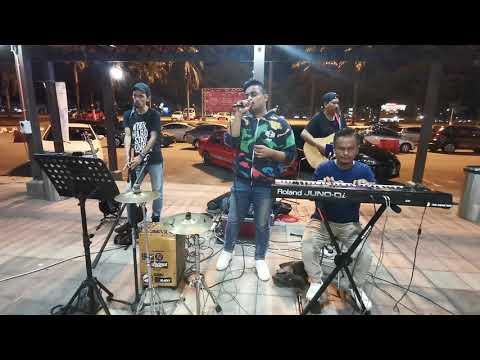 Kisah Antara Kita (Busking Version) - One Avenue Band