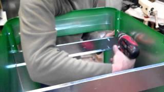 видео Cборка и установка умывальника мойдодыра