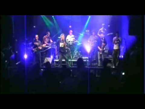 Earl Sixteen - Mash Up The Dance - Live backed By No More Babylon