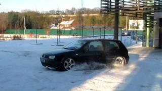 VW Golf V6 4motion snow fun