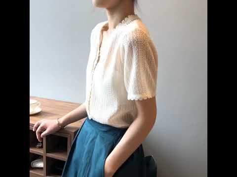 Charlotte 法系蕾絲花邊鏤空v領針織衫 短袖針織上衣 V領針織衫 短袖排釦衫 鏤空針織衫 蕾絲花邊衫 CHSW1