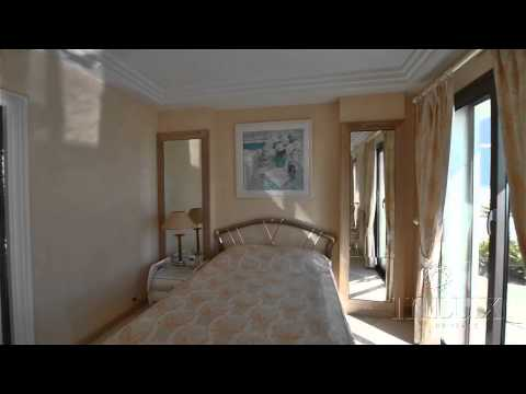 Video Tour of Penthouse in Cannes / Visite video d'un appartement-terrasse sur la Croisette