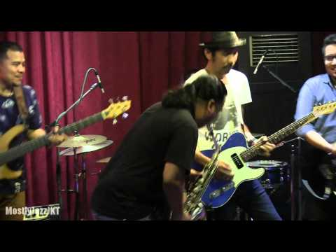Sandhy Sondoro ft. Ridho Slank - Come Together @ Mostly Jazz 28/05/14 [HD]