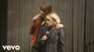 Смотреть клип Carla Bruni, Marianne Faithfull - All The Best